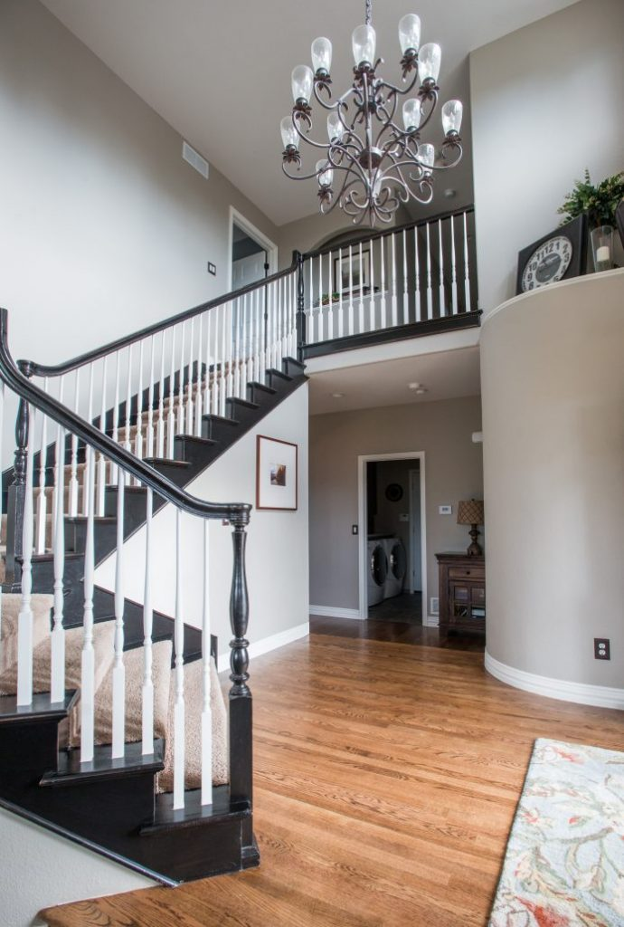 wsi-imageoptim-modern_entry_with_painted_handrail-Parker-694x1030-min