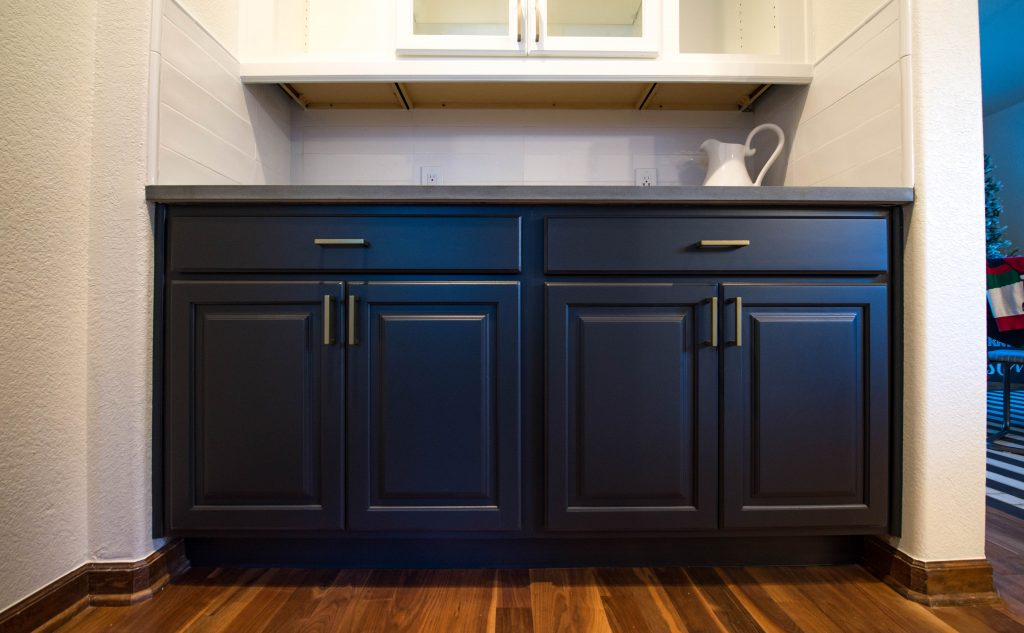 How Much Does It Cost To Paint Kitchen Cabinets? - Walls By ...
