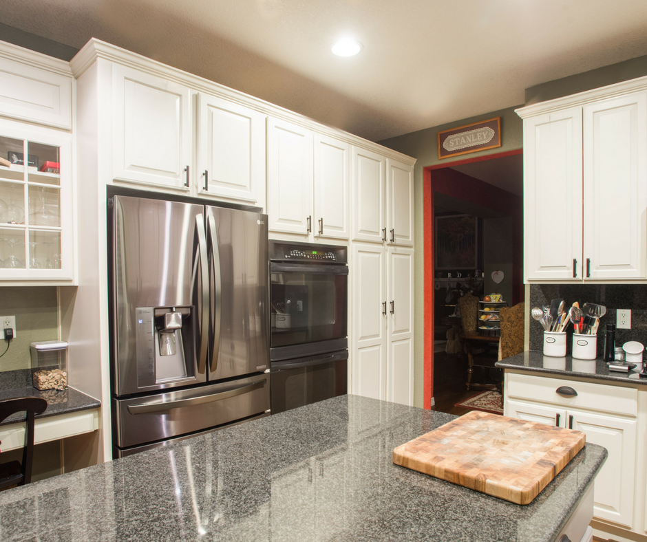 White painted kitchen cabinets denver paint contractor for Kitchen cabinet contractor